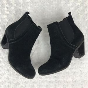 Sam Edelman Layla Pull on Suede Black Boots 8.5